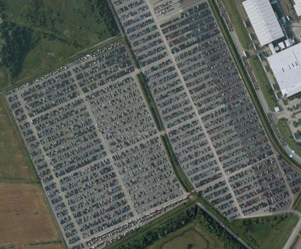 703165 - Geheime Friedhöfe: Warum verstecken Hersteller tausende Neuwagen in der Pampa?