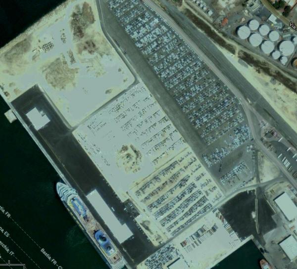 719304 - Geheime Friedhöfe: Warum verstecken Hersteller tausende Neuwagen in der Pampa?