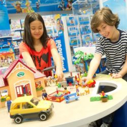 PLAYMOBIL FunStore 250x250 - Erster PLAYMOBIL-Shop Österreichs eröffnet in Wien-Vösendorf