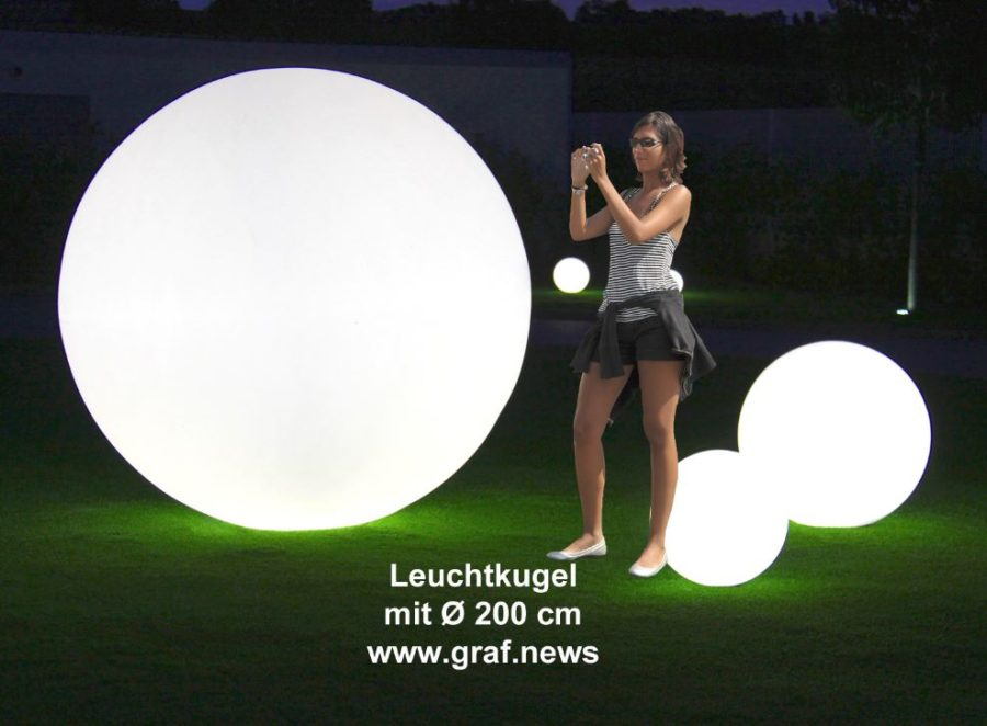 gartenkugeln kugelleuchten leuchtkugeln mit led. Black Bedroom Furniture Sets. Home Design Ideas
