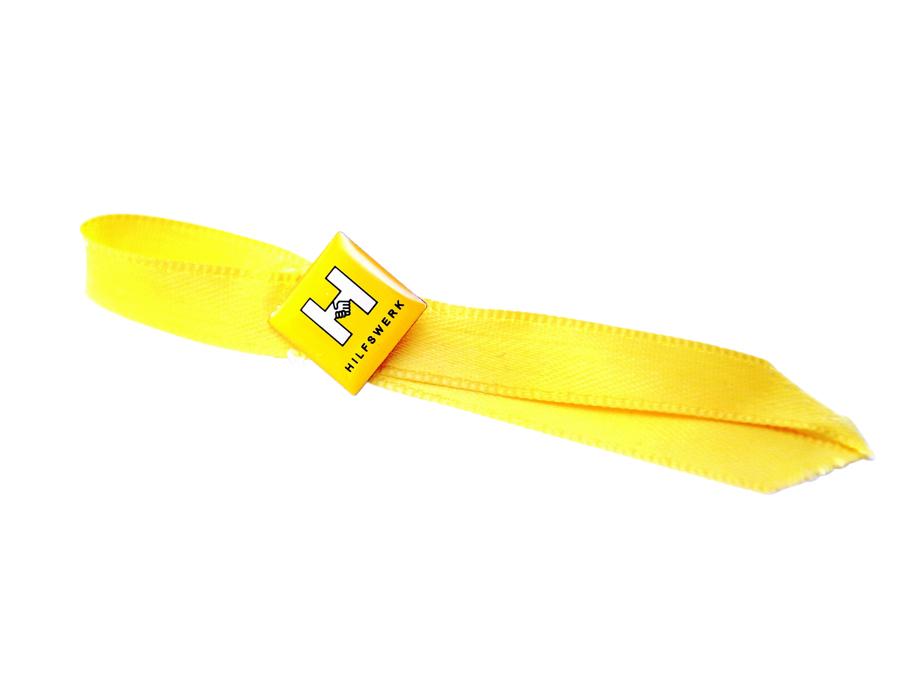 Anzug Pin mit Schleife