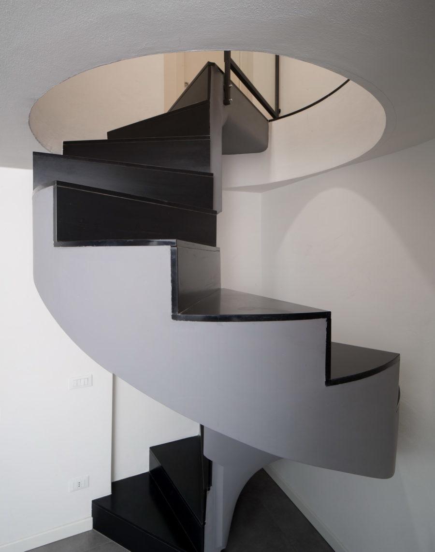 Margraf Scala in ardesia levigata - Stiegenaufgang mit Beleuchtung
