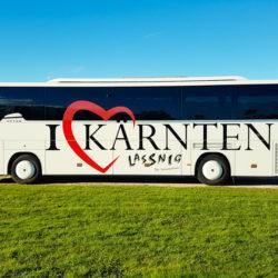 Moderne Busse inklusive Fahrer