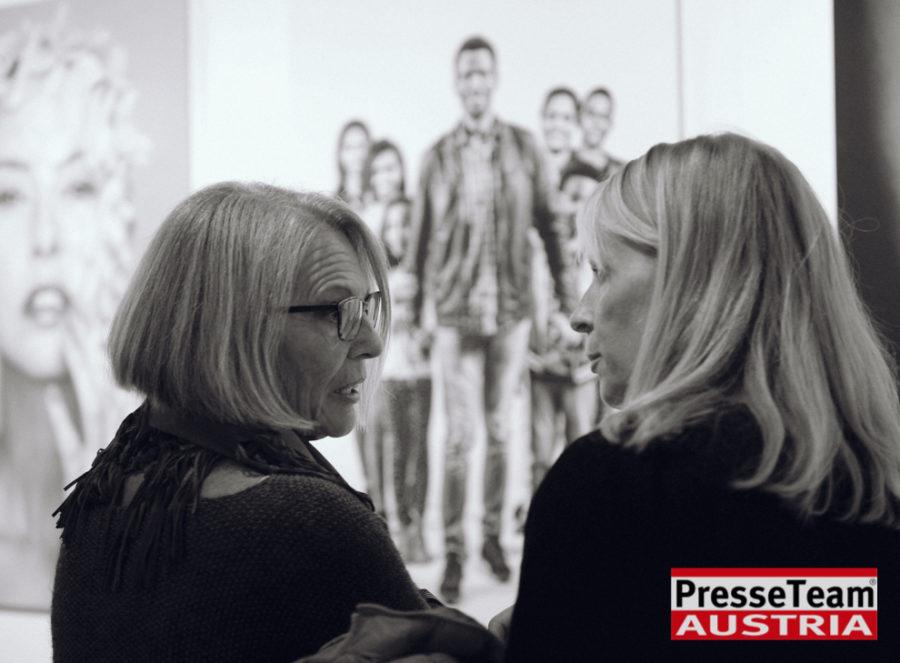 """Gernot Gleis  anSCHAUungen  DSC 9535 sw - Vernissage: """"anSCHAUungen""""- Menschenbilder von Gernot Gleiss"""