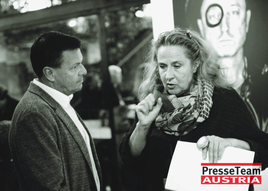 """Gernot Gleis  anSCHAUungen  DSC 9556 sw - Vernissage: """"anSCHAUungen""""- Menschenbilder von Gernot Gleiss"""