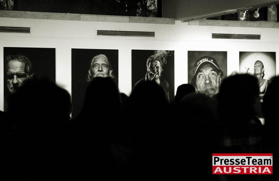 """Gernot Gleis  anSCHAUungen  DSC 9572 sw 1 - Vernissage: """"anSCHAUungen""""- Menschenbilder von Gernot Gleiss"""