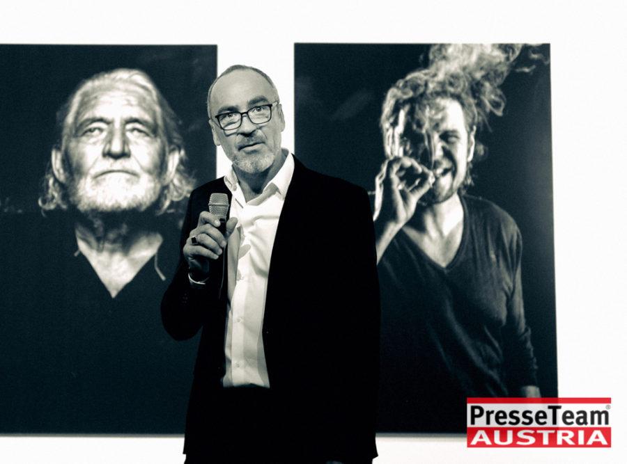 """Gernot Gleis  anSCHAUungen  DSC 9598 sw - Vernissage: """"anSCHAUungen""""- Menschenbilder von Gernot Gleiss"""