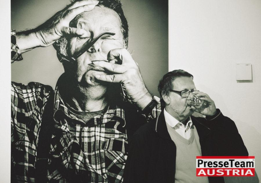"""Gernot Gleis  anSCHAUungen  DSC 9816 sw - Vernissage: """"anSCHAUungen""""- Menschenbilder von Gernot Gleiss"""