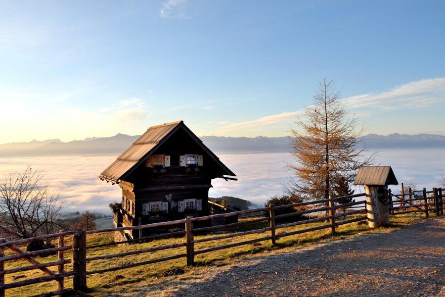 Gipfelhaus Magdalensberg Troadkasten Holzhütten Urlaub