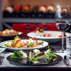 """Zwei Gault&Millau-Hauben für das Cuisino Restaurant """"die Yacht"""" Casino Velden"""