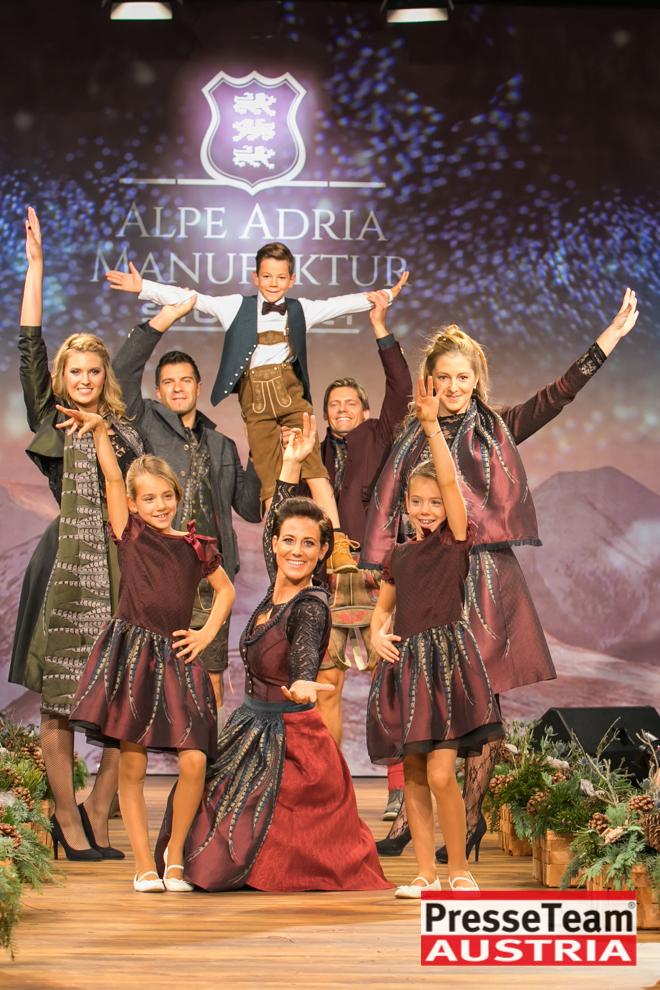 Trachten Strohmaier 28 - Licht ins Dunkel Benefizgala der Alpe Adria Manufaktur Strohmaier