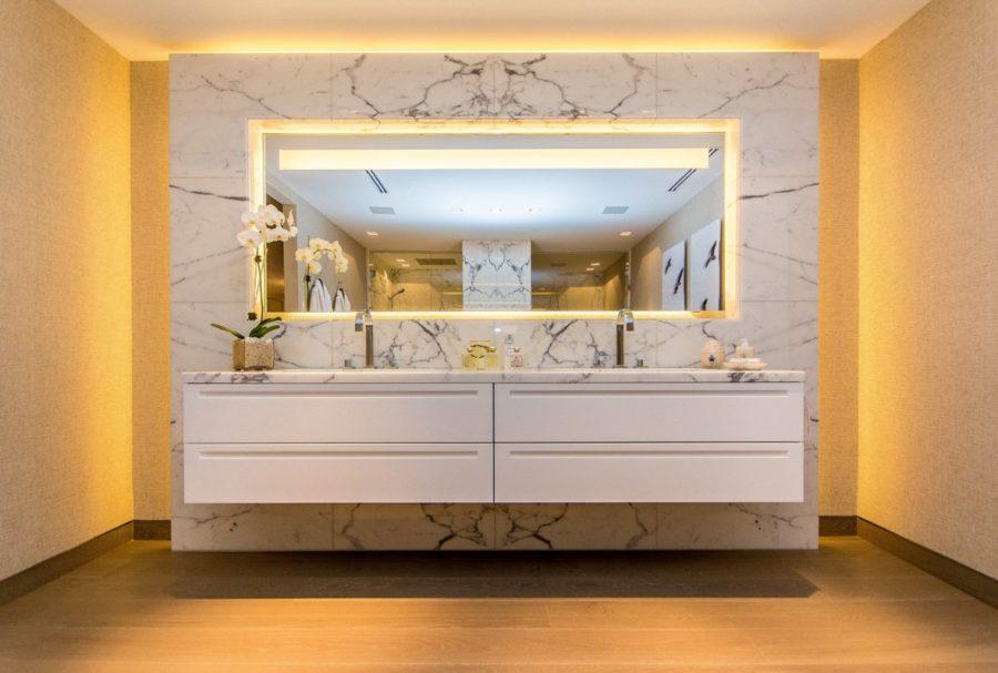 Margraf Rivestimento in Bianco Statuario 01 - DAS BADAMBIENTE AUS MARGRAF-MARMOR - Der Luxus, einzigartig zu sein