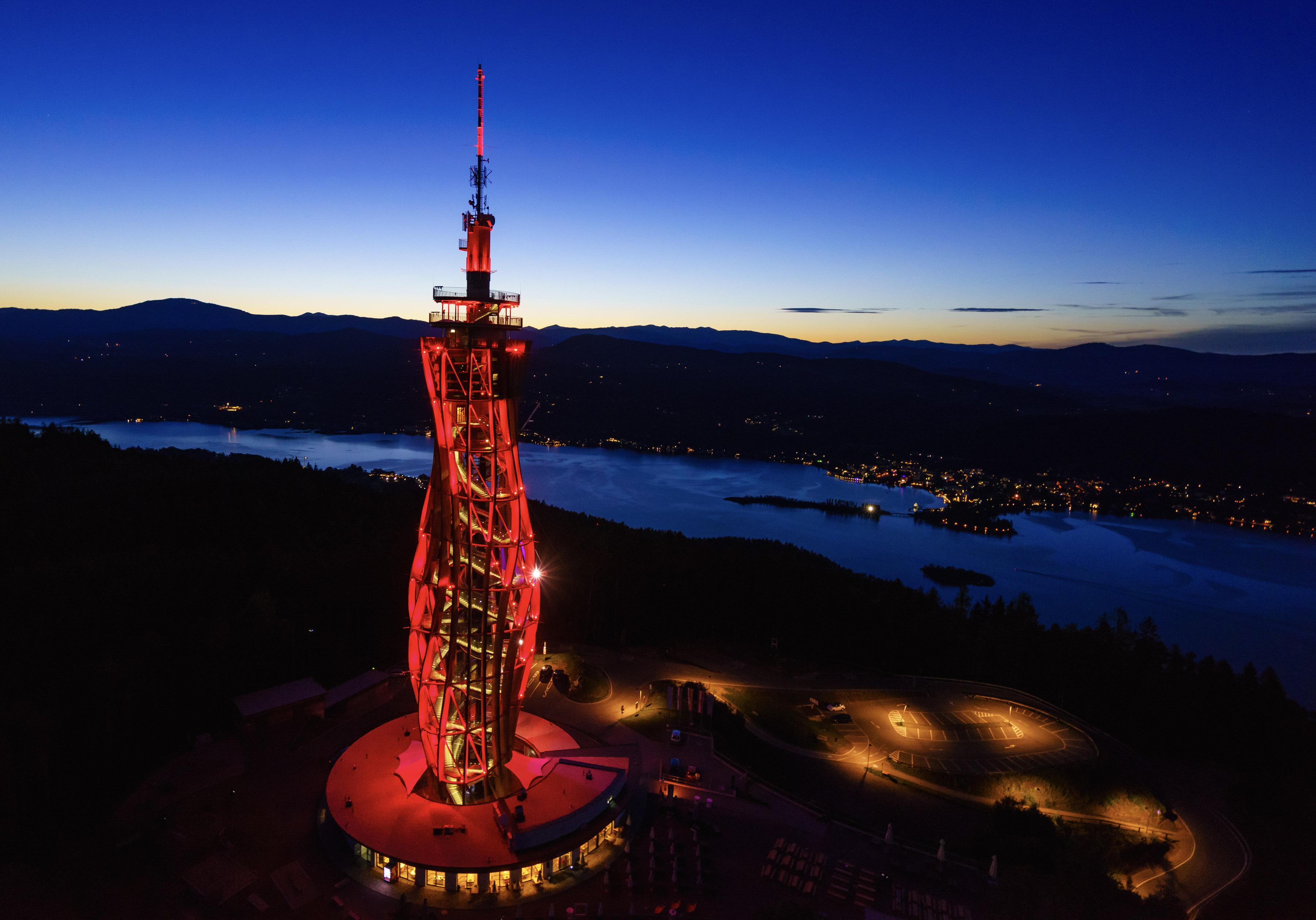 Pyramidenkogel Rot - Pyramidenkogel-Turm wird Eishockey-Botschafter