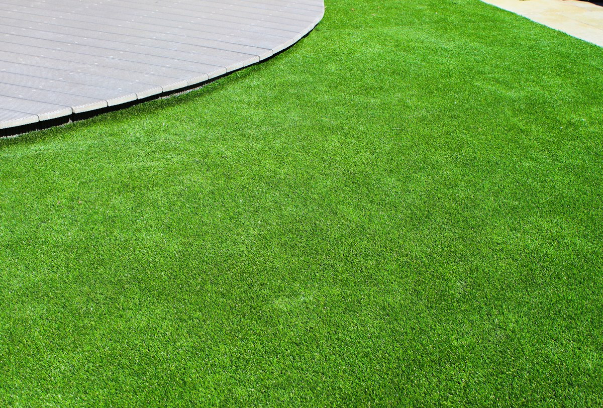 Kunstrasen B1 kaufen Rasenteppich B1 - Kunstrasen Wie echt   Hohe Qualität, frische Farben