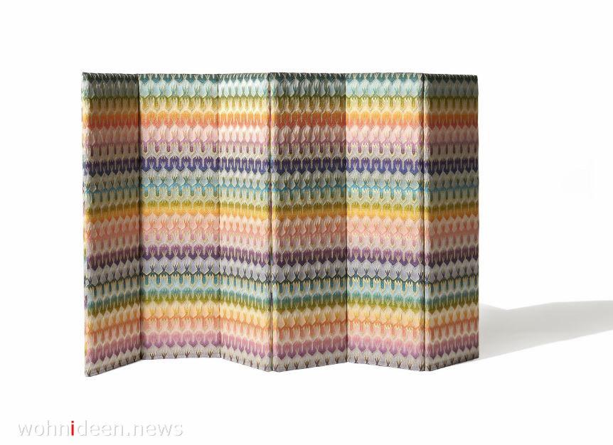 Bunter Raumteiler mit Muster