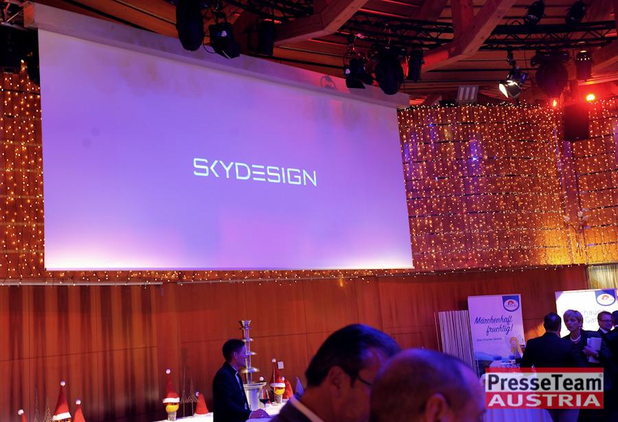 Sponsor Skydesign bei der Gala Sportler des Jahres 2018 - Olympiasiegerin Anna Gasser posiert für Skydesign News