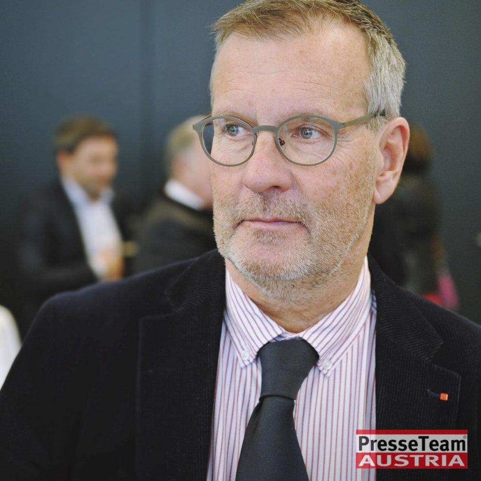 ZPV-Obmann Gernot Nischelwitzer Gernot NISCHELWITZER, MBA Obmann der ZPV Email: gernot.nischelwitzer@ktn.gv.at