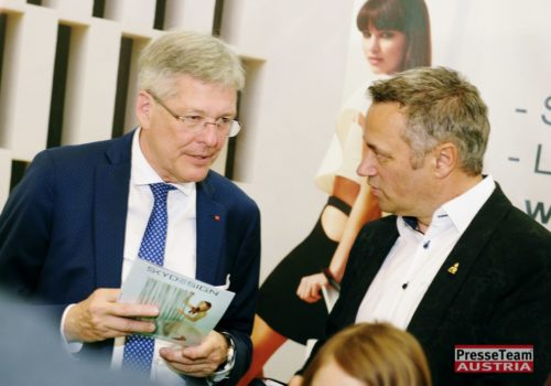 Landeshauptmann Dr. Peter Kaiser und Skydesign Robert Graf