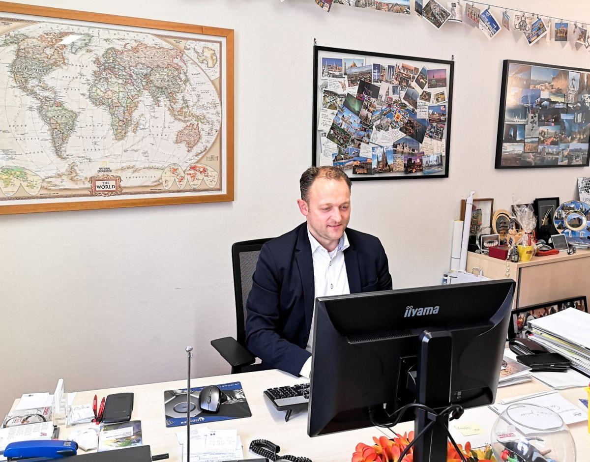 """EU Wahl Höfferer 2019 - EU-Wahl Kandidat Meinrad Höfferer im Interview: """"Wir müssen als ein geeintes Europa auftreten."""""""