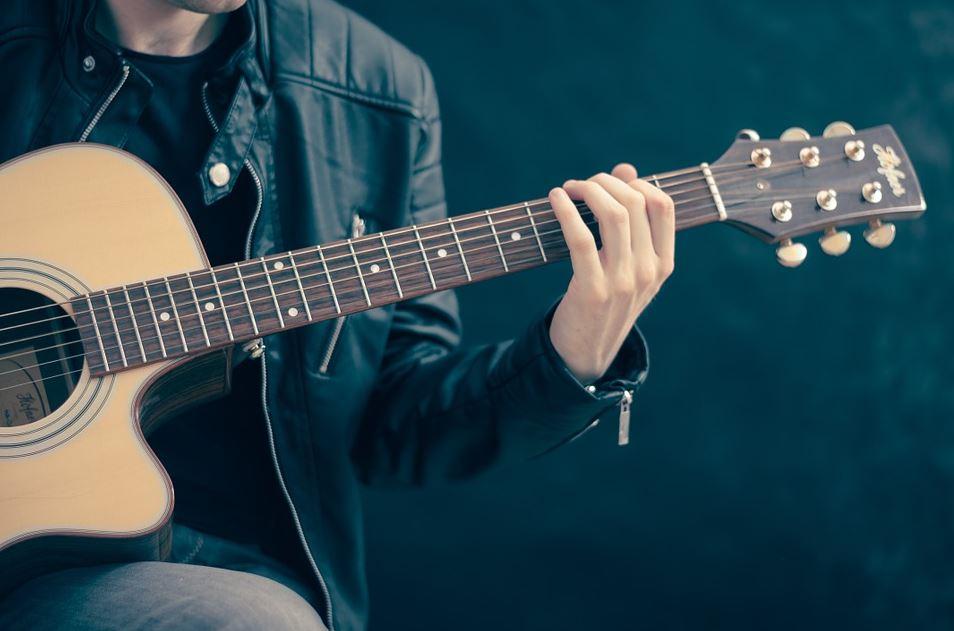 Gitarre fuer Linkshaender - Die Besonderheiten einer Linkshänder Gitarre