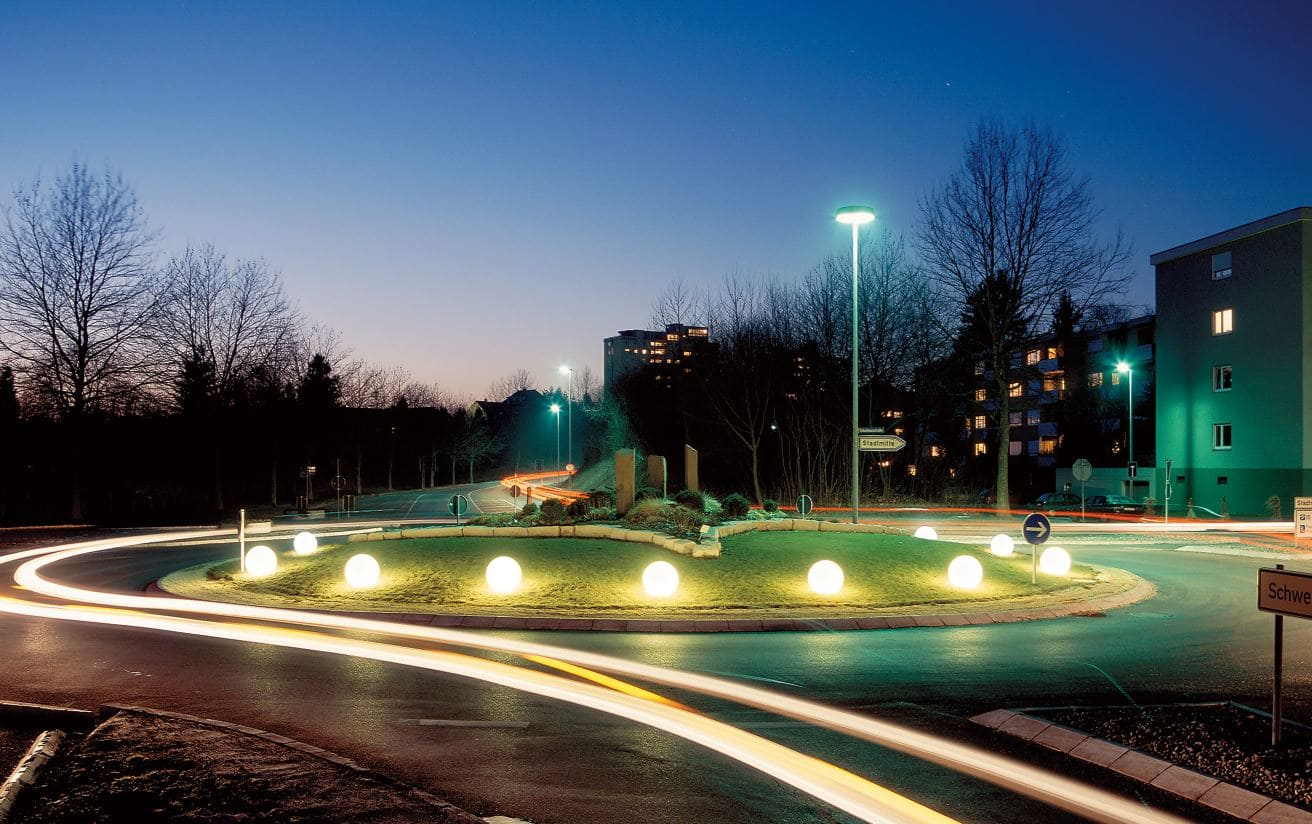 Leuchtkugeln Kreisverkehr Kugeln Beleuchtet - Kugelleuchten & Kugellampen für den Garten Gartenkugeln Leuchtkugeln mit LED