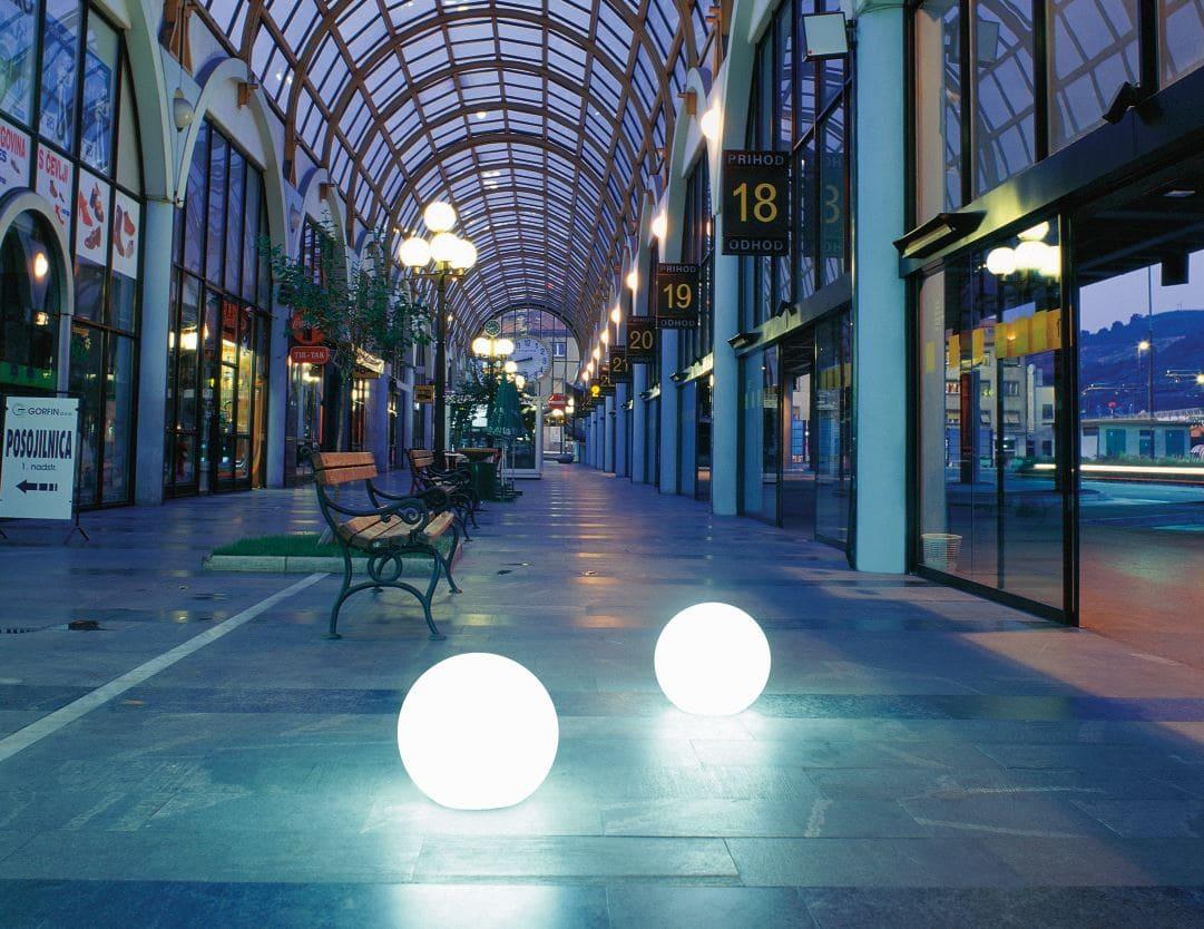 einkaufszentrum beleuchtung moderne kugeln - Kugelleuchten & Kugellampen für den Garten Gartenkugeln Leuchtkugeln mit LED