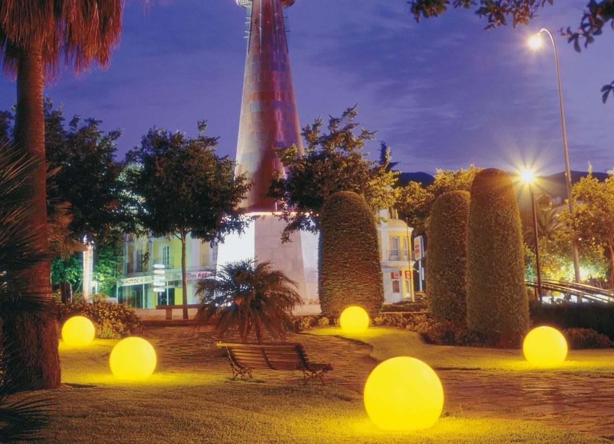 gartenkugeln beleuchtet - Kugelleuchten & Kugellampen für den Garten Gartenkugeln Leuchtkugeln mit LED