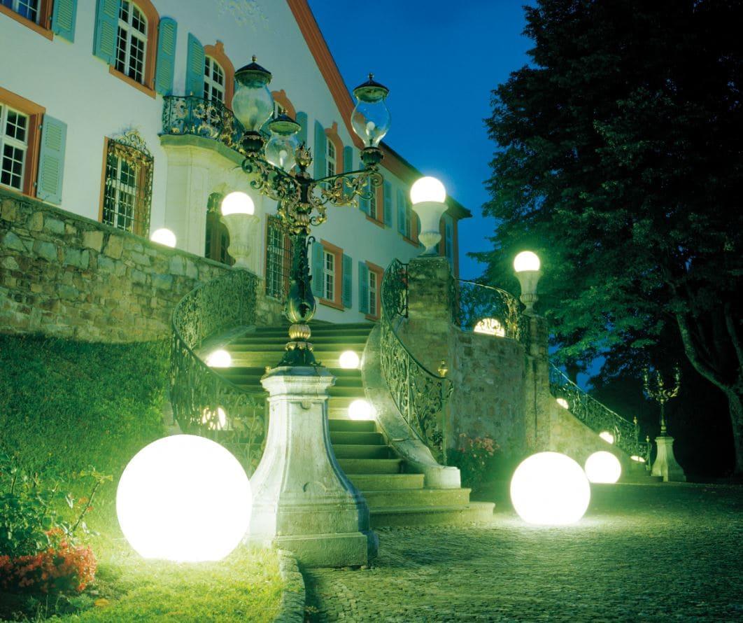 schlossbeleuchtung kugeln beleuchtet outdoor - Kugelleuchten & Kugellampen für den Garten Gartenkugeln Leuchtkugeln mit LED