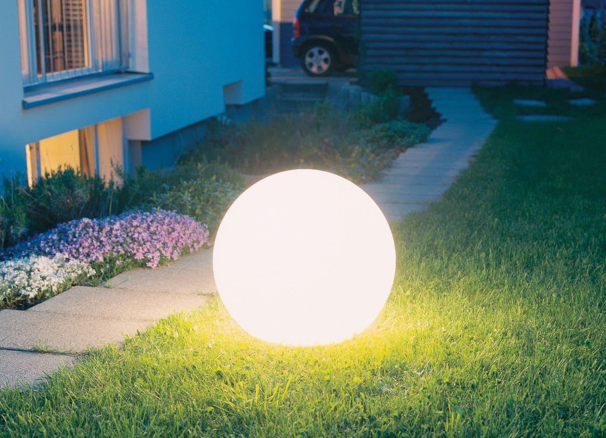 weisse gartenkugeln beleuchtet - Kugelleuchten & Kugellampen für den Garten Gartenkugeln Leuchtkugeln mit LED