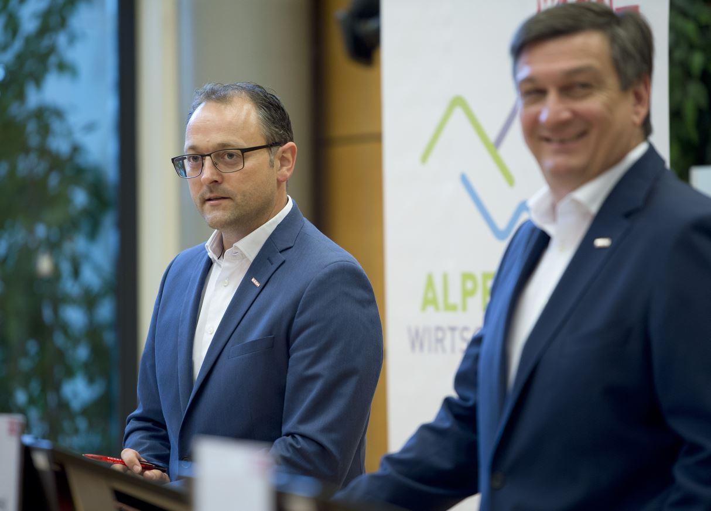 Direktor Meinrad Höfferer Kärnten WKO - Neue Exportstrategie: Mit dem  Schnellboot in die Zwiebelschalen
